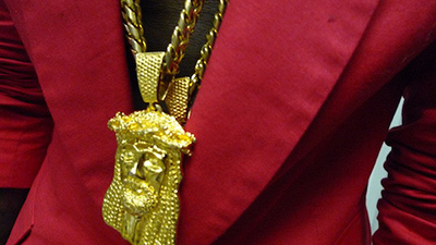 Kanye-West-Red-Blazer-Gold-Jesus-piece-chain