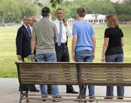 obama-tourists
